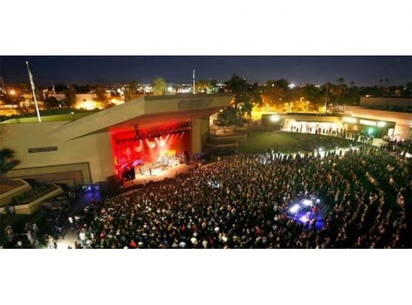 Ugly Sweater Holiday Party: Rise Against, The Struts & Sleeping with Sirens at Mesa Amphitheater